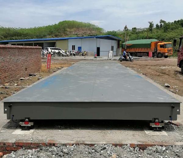四川自贡沥青厂100吨3*15米地磅安装