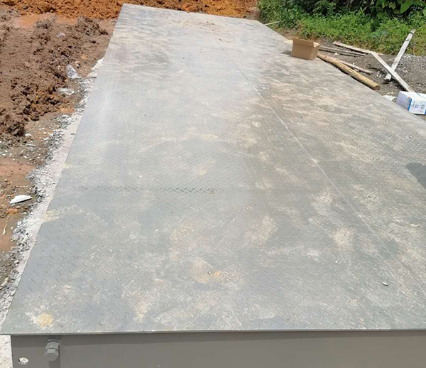 四川攀枝花3*12米100吨花纹板地磅安装