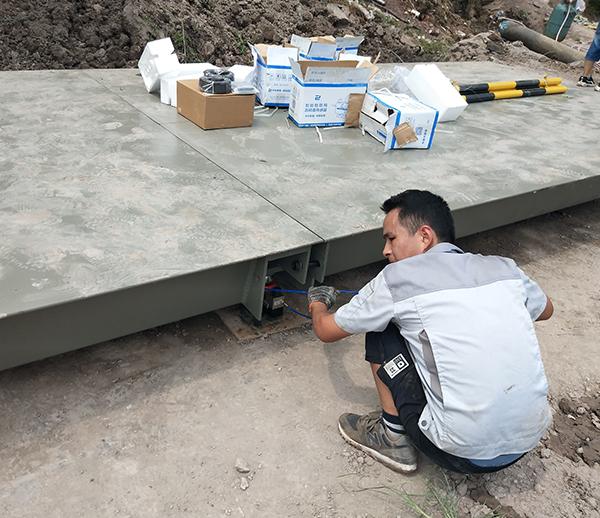 重庆渝北搅拌站3*10米80吨地磅安装